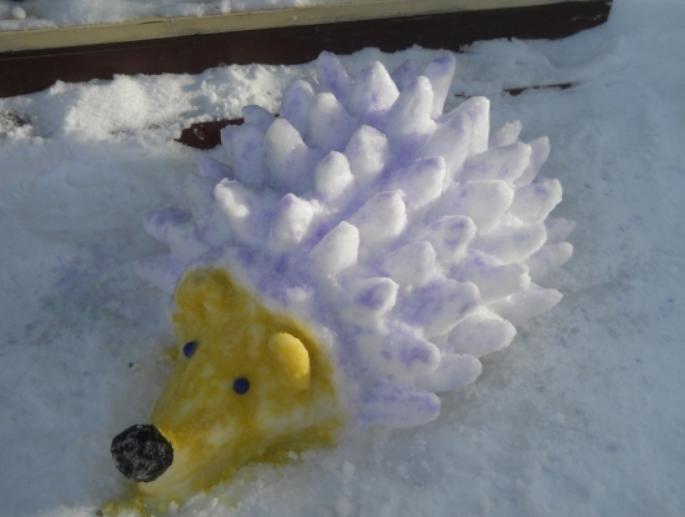 ёжик из снега