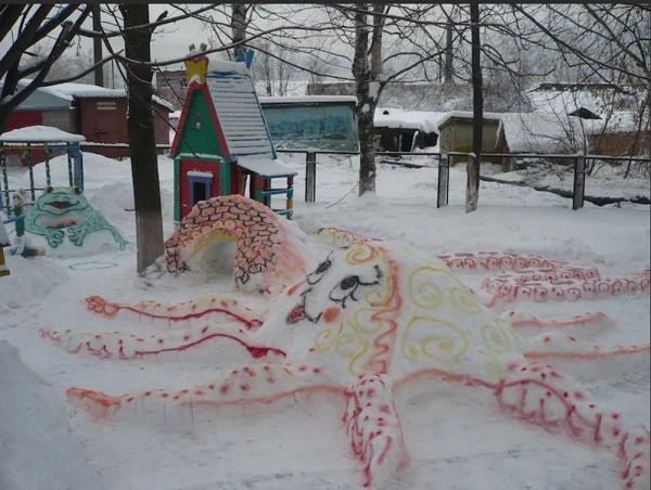 осьминог из снега