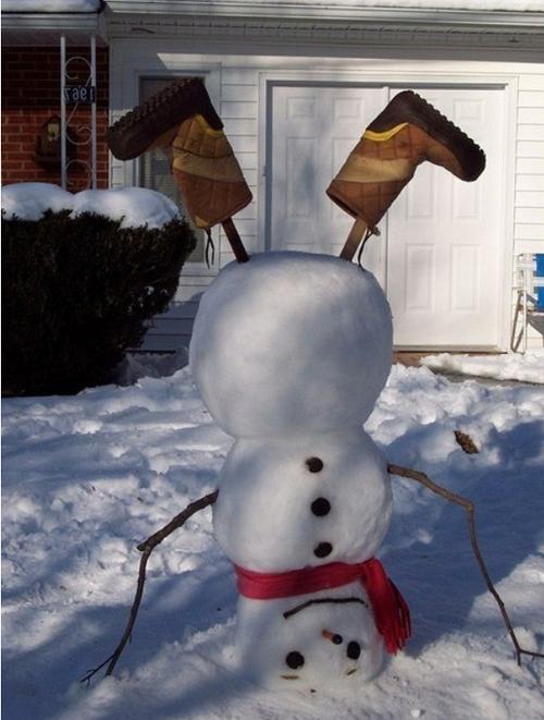 снеговик вверх ногами