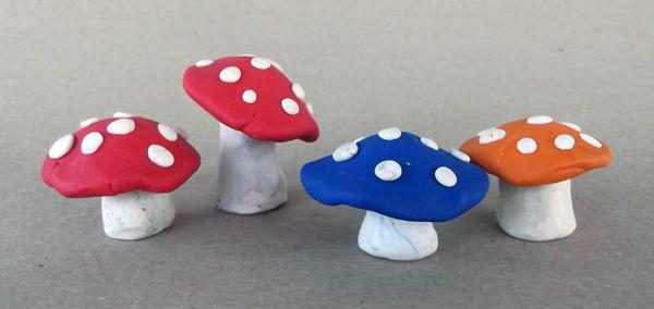 Пластилиновые грибы